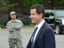 Lt Al Burns played by Dylan Walsh